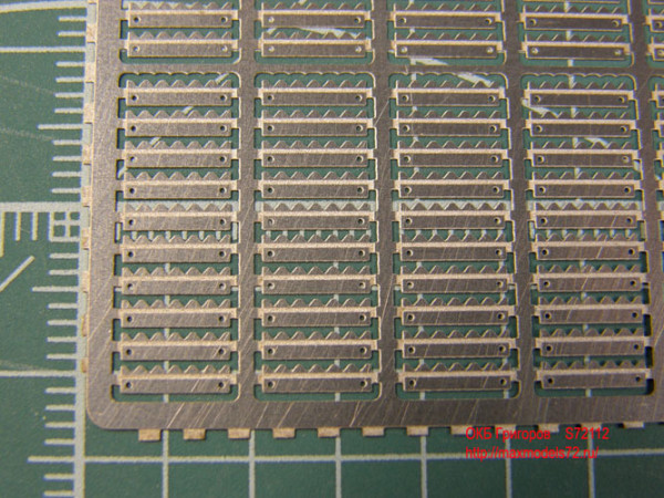 OKBS72112 Фототравление. Грунтозацепы для траков Т-34 мод. 1940 года.           Grousers for T-34 tracks, mod. 1940 (thumb7897)