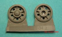 OKBS35002   Ленивец для танка Т-34 модель 1940 года (6 штук в наборе)      Idler wheel for T-34 mod.1940, with rubber bandage (6 per set) (attach1 8326)