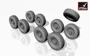 AR AC7300     1/72 LAV-25 wheels (attach1 13042)