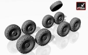 AR AC7300     1/72 LAV-25 wheels (attach2 13042)