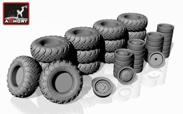 "AR AC7320a   1/72 SS-25 ""Topol"" (""Sickle"") mobile launcher wheels w/ VI-178AU tires & early hubs (thumb13055)"