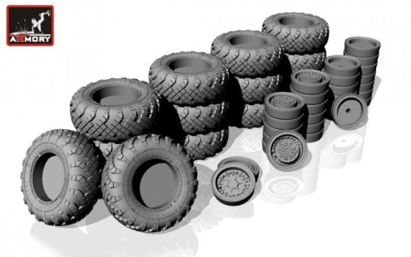 """AR AC7320b   1/72 SS-25 """"Topol"""" (""""Sickle"""") mobile launcher wheels w/ VI-178AU tires & late hubs (thumb13062)"""