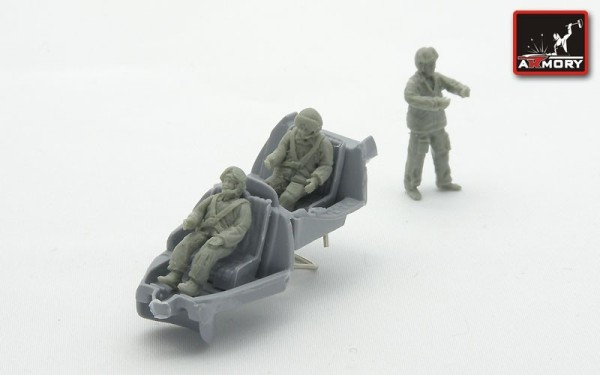 AR F7205       1/72 Soviet helicopter crew (modern) (thumb13115)
