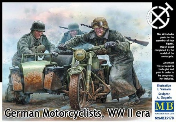 MB35178   German motorcyclists, WWII era (thumb18200)