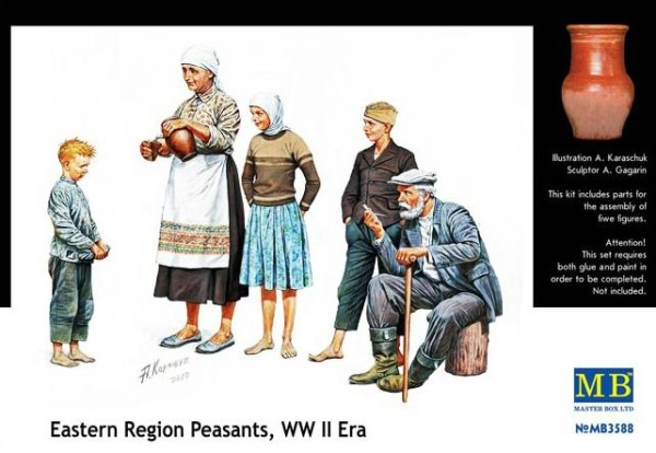 MB3588   Citizenry. East European WWII era (thumb18088)