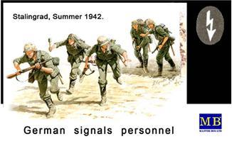 MB3540   German signals personnel, Stalingrad, Summer 1942 (thumb18012)