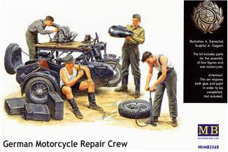 MB3560   German Motorcycle Repair Crew (thumb18048)
