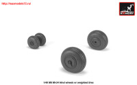 AR AW48031   1/48 Mil Mi-24 Hind wheels w/ weighted tires (attach2 25541)