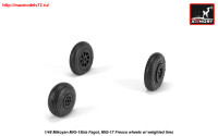 AR AW48033   1/48 Mikoyan MiG-15bis Fagot (late) / MiG-17 Fresco wheels w/ weighted tires (attach1 25551)