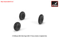 AR AW72054   1/72 Mikoyan MiG-15bis Fagot (late) / MiG-17 Fresco wheels w/ weighted tires (attach1 25571)