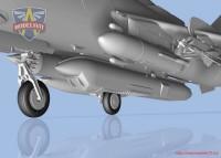 MSVIT72048   Su-17M3R Reconnaissance fighter-bomber with KKR pod (attach2 32696)
