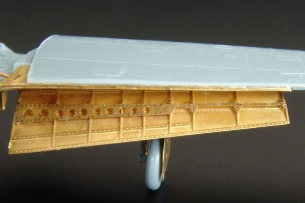 BRL72049   P-39/P-400 Airacobra flaps (RS Models kit) (thumb29895)