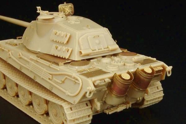 "HLH72054   Tiger II Ausf. B ""K?nigstiger"" (Revell kit) (thumb29434)"