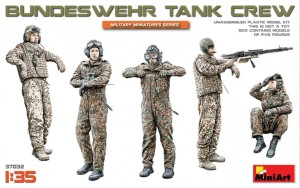 MA37032   Bundeswehr tank crew (thumb27154)