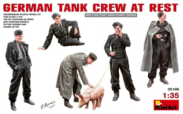 MA35198   German tank crew at rest (thumb26752)