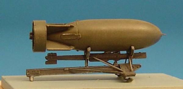 BRL48004   Bomb rack for Spitfire + british 500lb bomb (thumb30313)