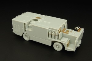 BRL48016   P25 USN carrier deck  fire engine (attach2 30347)