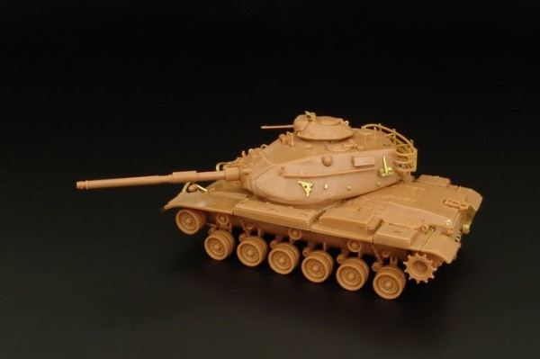 HLH72046   M60 A3 (Revell kit) (thumb29402)