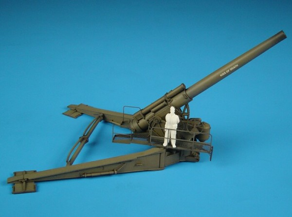 HLP72006   M1 240mm howitzer IN FIRE POSITION (thumb29148)