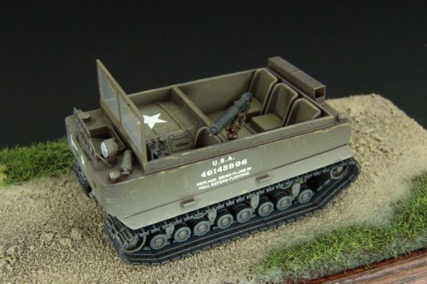 HLP72012   M29 WEASEL gun carrier/ambulance (thumb29172)