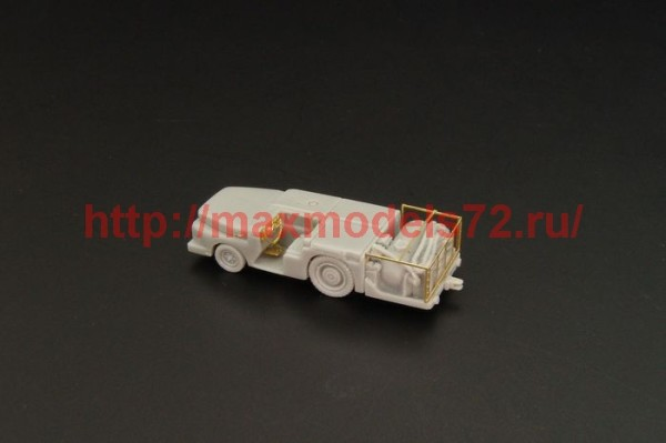 BRS144029   MD-3 USN Fire tractor small (thumb35719)