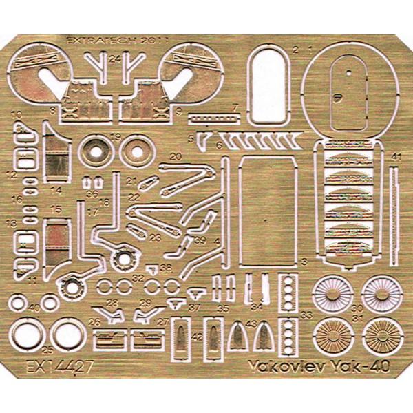 EX14427 YAKOVLEV YAK-40 (AZ MODEL) (thumb28077)