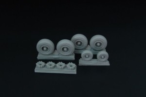BRL72147   C-130 wheel set (with disc brakes) (Italeri) (attach1 32136)