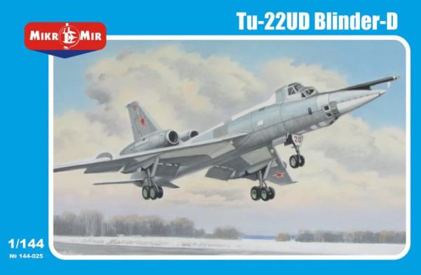 MM144-025   Tupolev Tu-22UD Blinder-D (thumb34381)