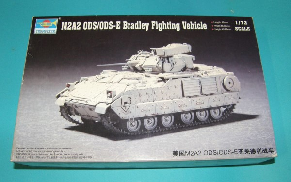Trumpeter07297   M2A2 ODS/ODS-E Bradley Fighting Vehicle (thumb30938)