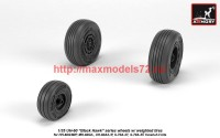 AR AW35303   1/35 UH-60 Black Hawk wheels w/ weighted tires (attach1 41176)
