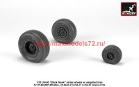 AR AW35303   1/35 UH-60 Black Hawk wheels w/ weighted tires (attach2 41176)