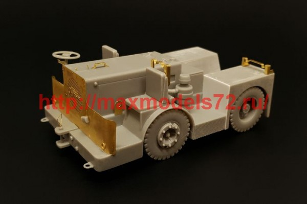 BRS48013   UK Tugmaster tractor (thumb42540)